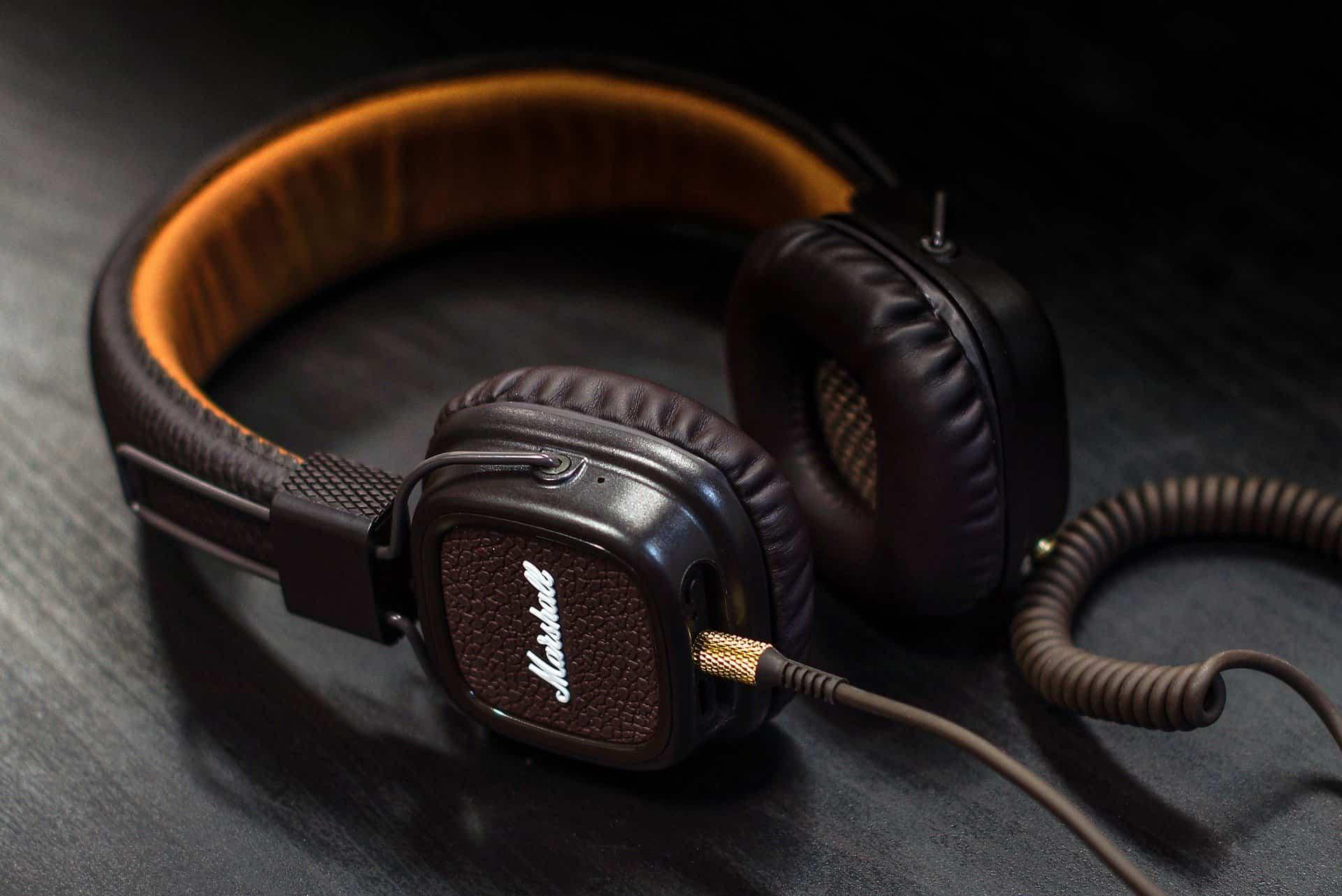 Buying Guide Of Blackweb Wireless Headphones