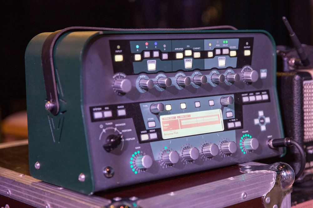 Review of acoustic-guitar preamp & Buying Guide