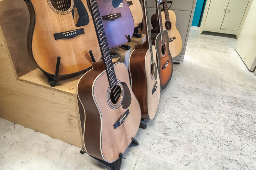 Difference between martin vs taylor guitars
